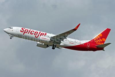 SpiceJet Boeing 737-8GJ WL VT-SZD (msn 39430) SNN (Malcolm Nason). Image: 912404.