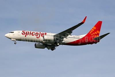SpiceJet Boeing 737-8GJ WL VT-SPK (msn 34898) STN (Keith Burton). Image: 901084.