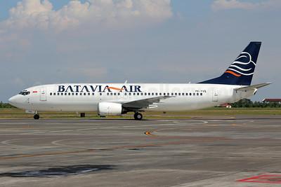 Batavia Air Boeing 737-4S3 PK-YVQ (msn 25594) SUB (Michael B. Ing). Image: 924110.