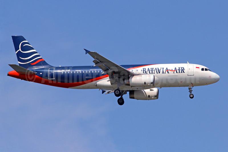 Batavia Air Airbus A320-233 PK-YUE (msn 461) SIN (Christian Volpati). Image: 908691.