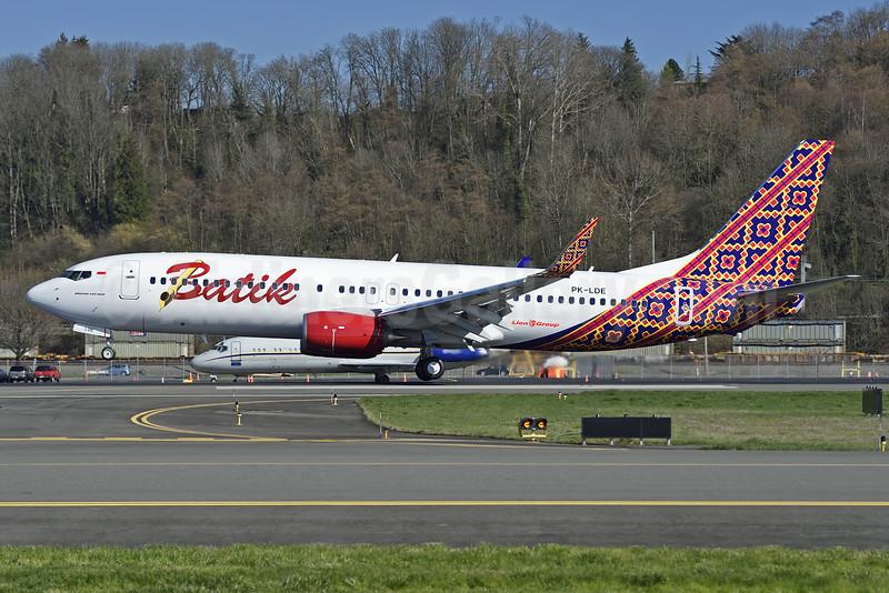 Batik Air-Lion Group Boeing 737-8GP WL PK-LDE (msn 39836) BFI (Steve Bailey). Image: 926607.