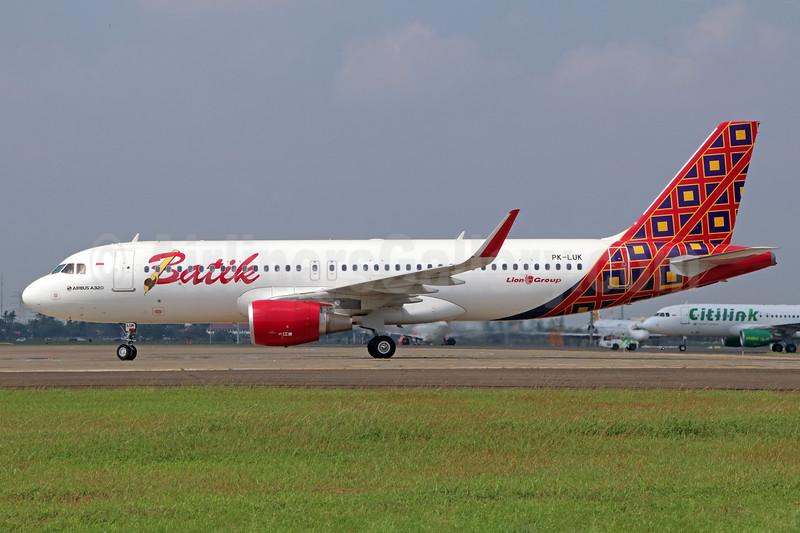 Batik Indonesia-Lion Group Airbus A320-214 WL PK-LUK (msn 7365) CGK (Michael B. Ing). Image: 938395.