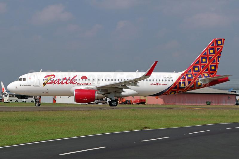 Batik Indonesia-Lion Group Airbus A320-214 WL PK-LUF (msn 7223) CGK (Michael B. Ing). Image: 938399.
