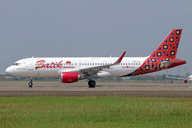 Batik Indonesia-Lion Group Airbus A320-214 WL PK-LAI (msn 6356) CGK (Michael B. Ing). Image: 938396.