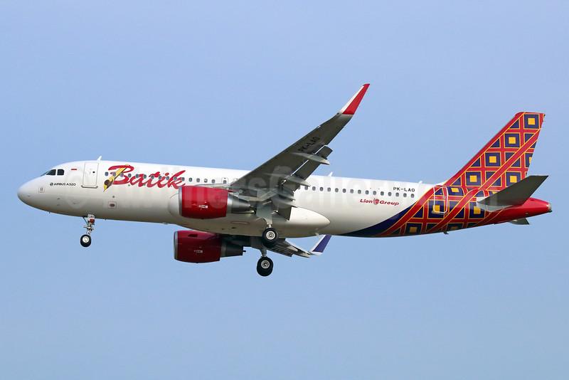 Batik Air-Lion Group Airbus A320-214 WL PK-LAO (msn 6695) CGK (Michael B. Ing). Image: 933543.