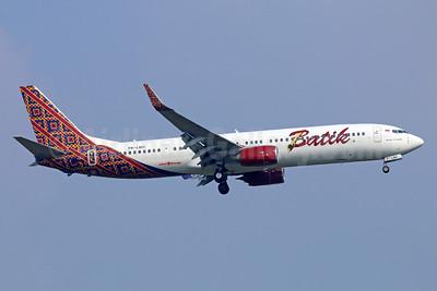 Batik Air-Lion Group Boeing 737-9GP ER WL PK-LBO (msn 38731) CGK (Michael B. Ing). Image: 935276.