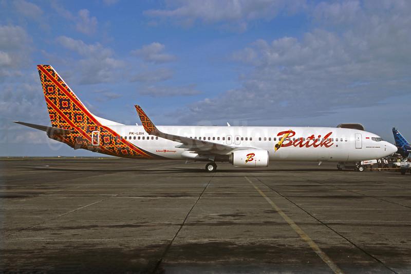 Batik Air-Lion Group Boeing 737-9GP ER WL PK-LBH (msn 38689) DPS (Jacques Guillem Collection). Image: 923164.