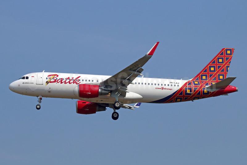 Batik Air-Lion Group Airbus A320-214 WL PK-LAJ (msn 6361) CGK (Michael B. Ing). Image: 929062.