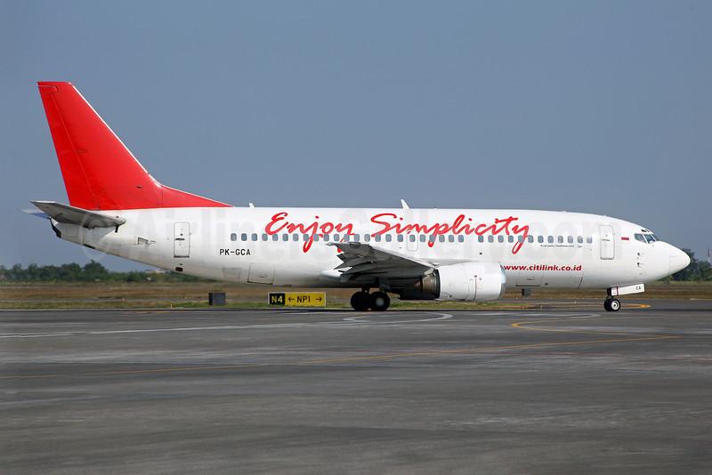 Citilink-Garuda Indonesia Airways Boeing 737-3L9 PK-GCA (msn 24589) (Enjoy Simplicity) SUB (John Adlard). Image: 909639.