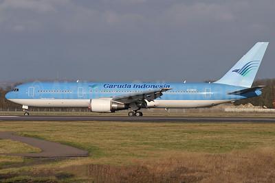 Garuda Indonesia Airways (Britannia Airways) Boeing 767-304 ER G-OBYG (msn 29137) LGW (Antony G. Best). Image: 927110.