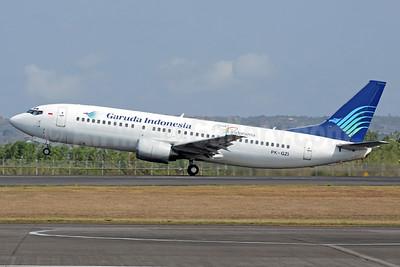 Garuda Indonesia Airways Boeing 737-4M0 PK-GZI (msn 29204) (Visit Indonesia 2009) DPS (Michael B. Ing). Image: 937079.