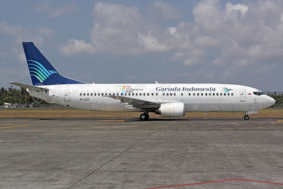 Garuda Indonesia Airways Boeing 737-46Q PK-GZP (msn 28661) (Visit Indonesia 2009) DPS (Michael B. Ing). Image: 937072.