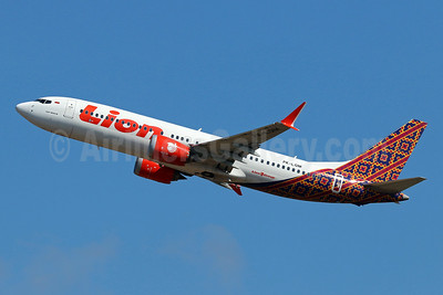 Lion Air (PT Lion Mentari Airlines) Boeing 737-8 MAX 8 PK-LQM (msn 42994) (Batik Indonesia colors) DPS (Pascal Simon). Image: 943359.