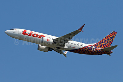 Lion Air (PT Lion Mentari Airlines) Boeing 737-8 MAX 8 PK-LQK (msn 42985) (Batik Indonesia colors) DPS (Pascal Simon). Image: 945952.