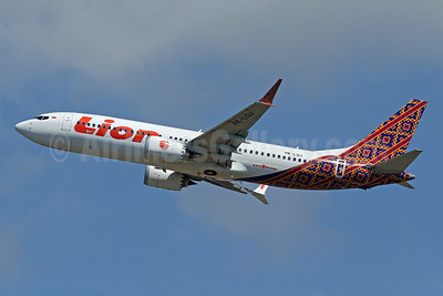 Lion Air (PT Lion Mentari Airlines) Boeing 737-8 MAX 8 PK-LQJ (msn 42988) (Batik Indonesia colors) DPS (Pascal Simon). Image: 942318.