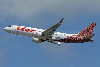 Lion Air (PT Lion Mentari Airlines) Boeing 737-8 MAX 8 PK-LQJ (msn 42988) (Batik Indonesia colors) DPS (Pascal Simon). Image: 942318.