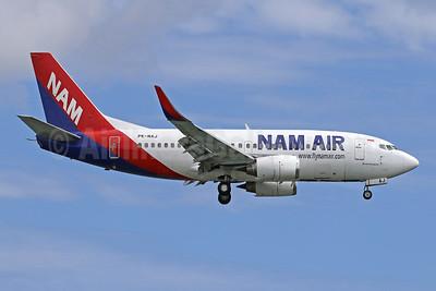 NAM Air Boeing 737-524 WL PK-NAJ (msn 27526) DPS (Pascal Simon). Image: 943372.