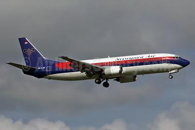 Sriwijaya Air Boeing 737-4Y0 PK-CJW (msn 24690) PEN (Rob Finlayson). Image: 925827.