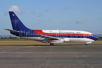 Sriwijaya Air Boeing 737-284 PK-CJL (msn 21301) (Visit Indonesia 2008) DPS (Michael B. Ing). Image: 928971.