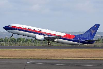 Sriwijaya Air Boeing 737-4Y0 PK-CKD (msn 25180) DPS (Michael B. Ing). Image: 928072.