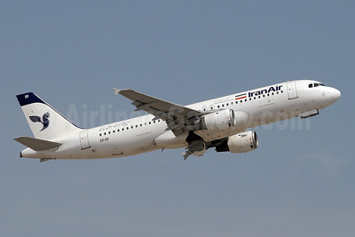 IranAir-The Airline of the Islamic Republic of Iran Airbus A320-211 EP-IEF (msn 312) DXB (Paul Denton). Image: 912942.