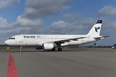 IranAir-The Airline of the Islamic Republic of Iran Airbus A320-211 EP-IEE (msn 303) AMS (Ton Jochems). Image: 949396.
