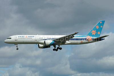Israir (El Al) Boeing 757-258 4X-EBM (msn 23918) (El Al colors) MAN (Rob Skinkis). Image: 952099.