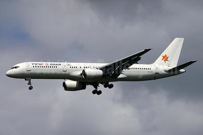 Israir (El Al) Boeing 757-258 4X-EBI (msn 27622) GLA (Tom Meikle). Image: 934402.