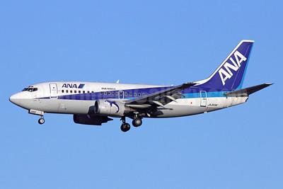 ANA (All Nippon Airways)-ANA Wings Boeing 737-5L9 JA355K (msn 28129) NRT (Michael B. Ing). Image: 920163.