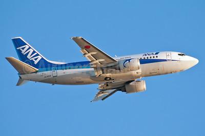 ANA (All Nippon Airways)-ANA Wings Boeing 737-5L9 JA355K (msn 28129) HNL (Ivan K. Nishimura). Image: 925938.