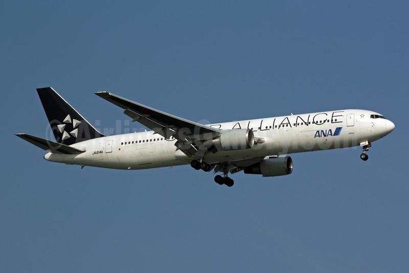 ANA (All Nippon Airways) Boeing 767-381 ER JA614A (msn 33508) (Star Alliance) SIN (Michael B. Ing). Image: 900927.
