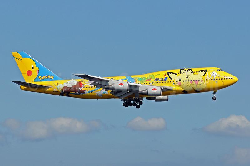 ANA (All Nippon Airways) Boeing 747-481 (D) JA8957 (msn 25642) (Pokemon-Pikachu Jumbo) HND (Akira Uekawa). Image: 906841.