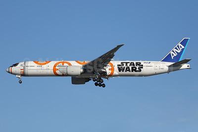 ANA (All Nippon Airways) Boeing 777-381 ER JA789A (msn 40687) (Star Wars - BB-8) LAX (Ron Monroe). Image: 940295.