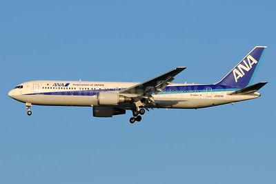 ANA (All Nippon Airways)-Air Japan Boeing 767-381 ER JA604A (msn 32973) (Inspiration of Japan) HND (Akira Uekawa). Image: 920913.
