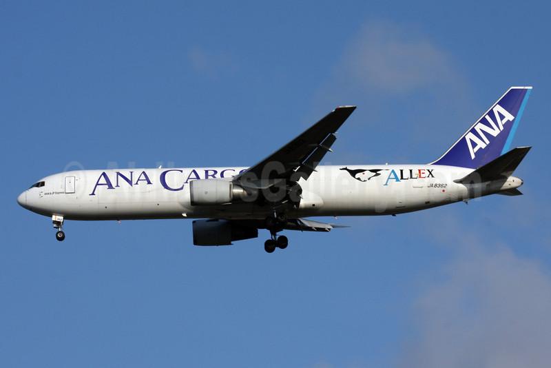 ANA Cargo-ALLEX-ANA & JP Express Boeing 767-381 ER (F) JA8362 (msn 24632) BKK (Jens Polster). Image: 905072.