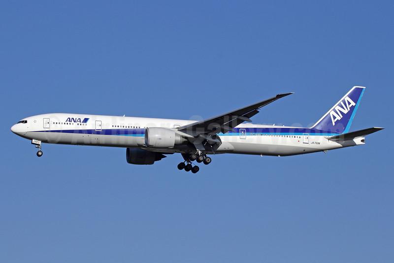 ANA (All Nippon Airways) Boeing 777-381 ER JA733A (msn 32648) NRT (Michael B. Ing). Image: 912567.