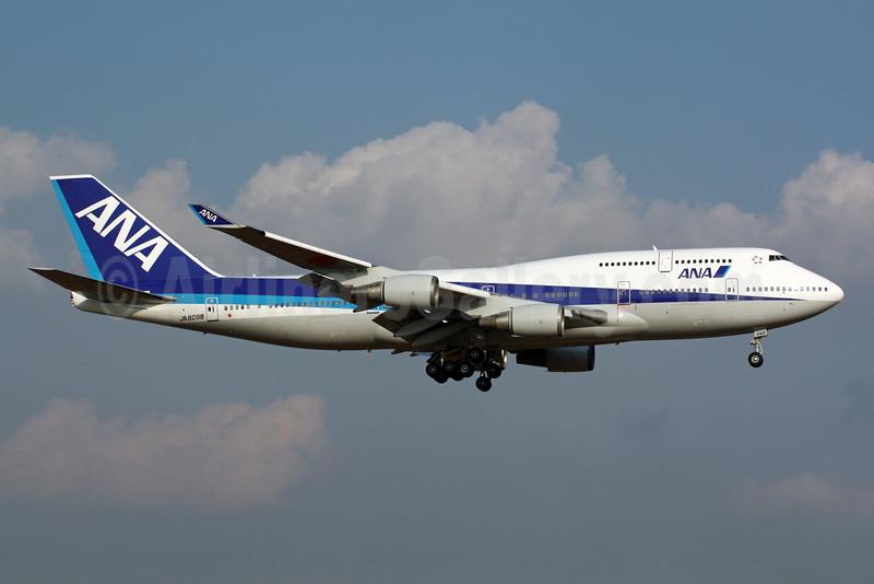 ANA (All Nippon Airways) Boeing 747-481 JA8098 (msn 25207) NRT (Michael B. Ing). Image: 901335.