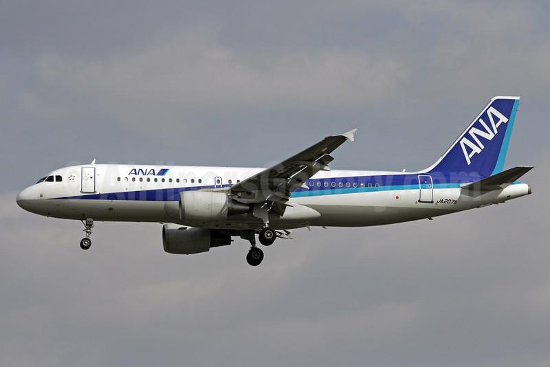 ANA (All Nippon Airways) Airbus A320-214 JA207A (msn 3148) PEK (Michael B. Ing). Image: 913130.