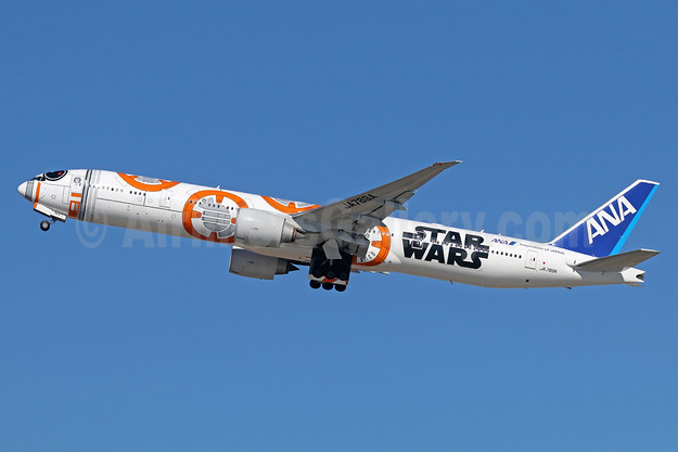"ANA's ""Star Wars - BB-8"" logo jet"