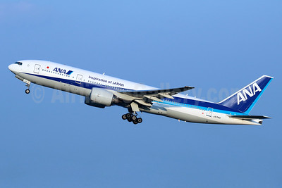 ANA (All Nippon Airways) Boeing 777-281 ER JA741A (msn 40900) (Inspiration of Japan) HND (Michael B. Ing). Image: 940427.