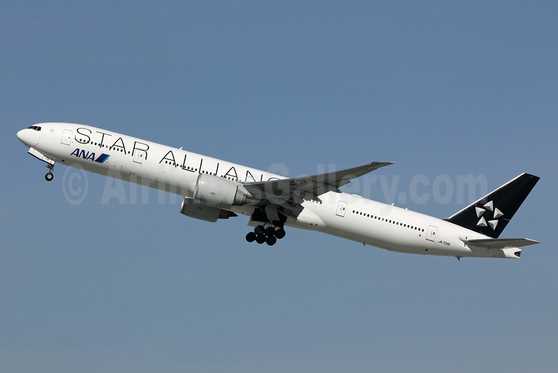 ANA (All Nippon Airways) Boeing 777-381 ER JA731A (msn 28281) (Star Alliance - 15 Years) LAX (Michael B. Ing). Image: 912566.