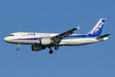 ANA (All Nippon Airways) Airbus A320-211 JA8997 (msn 658) (Inspiration of Japan) HND (Akira Uekawa). Image: 920912.