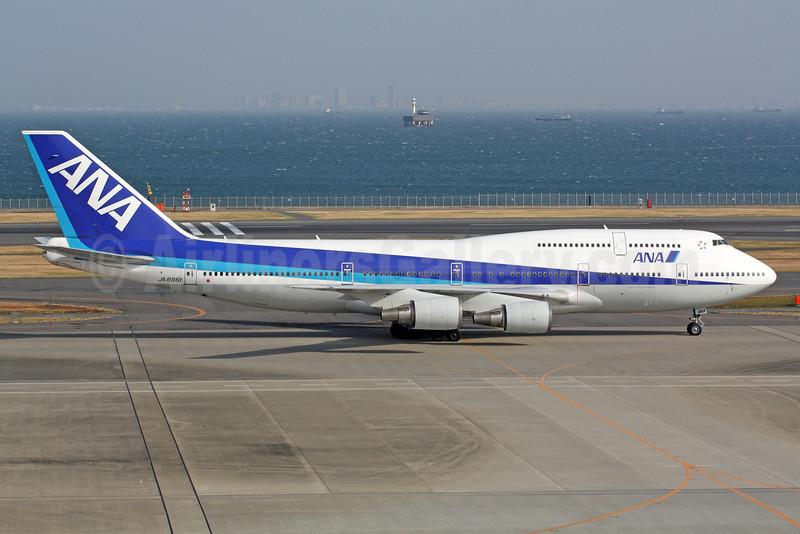 ANA (All Nippon Airways) Boeing 747-481 JA8961 (msn 25644) HND (Michael B. Ing). Image: 922465.