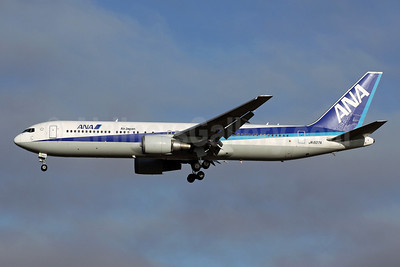 ANA (All Nippon Airways)-Air Japan Boeing 767-381 ER JA607A (msn 32976) NRT (Michael B. Ing). Image: 904750.