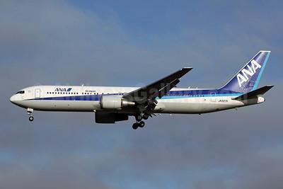 ANA (All Nippon Airways)-Air Japan Boeing 767-381 ER JA607A (msn 32976) NRT (Michael B. Ing). Image: 904750.