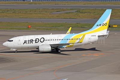 Air Do Boeing 737-781 WL JA01AN (msn 33916) HND (Michael B. Ing). Image: 909649.