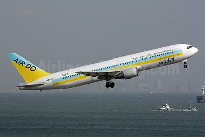 Air Do-Hokkaido International Airlines Boeing 767-33A ER JA98AD (msn 27476) HND (Michael B. Ing). Image: 901282.