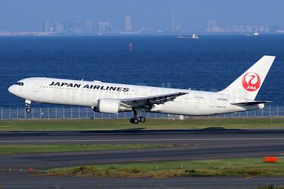 JAL-Japan Airlines Boeing 767-346 JA8986 (msn 28838) HND (Michael B. Ing). Image: 940433.