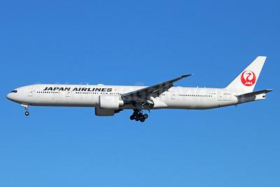 JAL-Japan Airlines Boeing 777-346 ER JA737J (msn 36126) NRT (Michael B. Ing). Image: 940151.