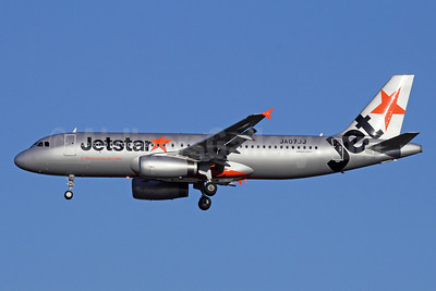 Jetstar (Japan) Airbus A320-232 JA07JJ (msn 5355) NRT (Michael B. Ing). Image: 910296.